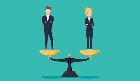 Une homme et une femme sur une balance. Leur poids est équivalent et symbolise l'égalité entre eux deux.